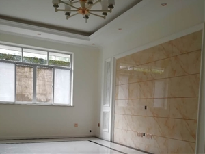 平江路1楼3室2厅2卫精装修送花园56万元