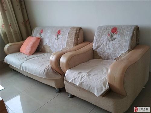 超低价出售沙发,炉灶,油烟机。5公斤气罐等。