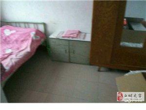 铁路新兴区2室1厅1卫680元/月