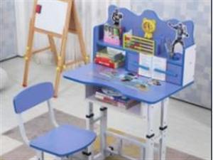 低价出售儿童书桌带椅子