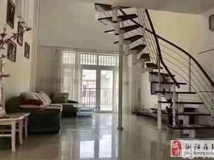 亚大复式楼248平六房 精装修带家具家电 户型周正通风采光极