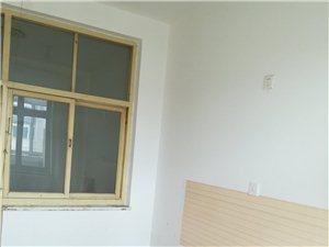 1室1厅1卫450元/月