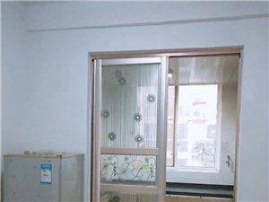 万象城3室2厅2卫8000元/月