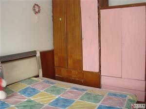 统一街新民众乐园旁普装单间30平米出租(江汉路地铁