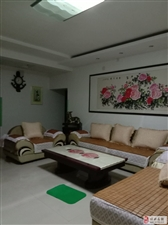 470阳光花园3室2厅2卫1900元/月