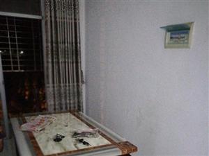 万豪欧尚广场3室拎包入住1500元/月