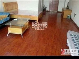 泰华公寓13楼60平中装带家具家电月租1500元
