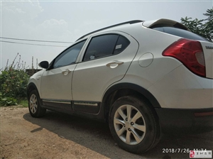 出售一辆2014年江淮和悦a13cross小型SUV