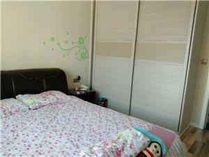 华容城市广场3室2厅2卫89.8万元