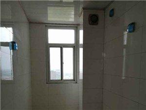 阳光新天地!电梯3室2厅2卫153平!70万包过户