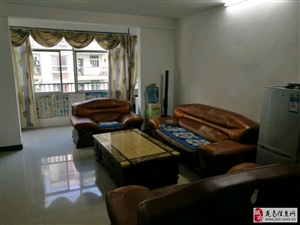 龙城亲水湾2室2厅2卫只要1400元/月