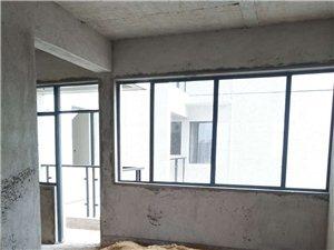 【山景壹号】小区花园毛胚173平方4房2厅3卫