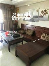 龙湖888豪华装修3室2厅2卫2700元/月