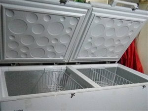 两台海尔冰柜出卖