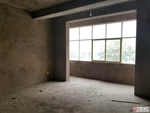 北辰佳苑 4室2厅 跃层 赠送 11㎡柴房