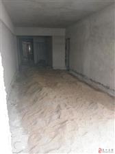 两渡河培英学校附近106平米三房步梯六楼毛坯37万