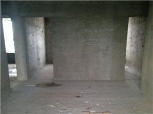 平舆县安民路刑警大队旁边小区三室两厅一卫21万元