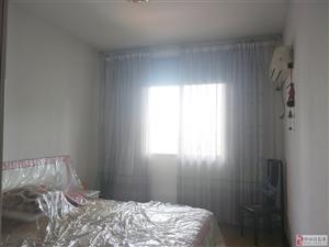 阳光花城3室2厅2卫52万元