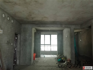 博睿国典3室2厅2卫72万元一楼带院湖景房带院