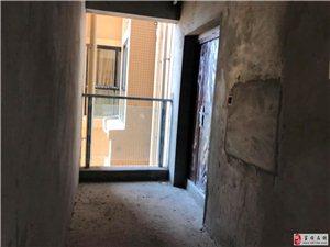 水岸城毛坯房3室2厅2卫60万元