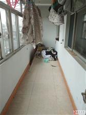鑫苑东区多层四楼精装三室首付20直接入住