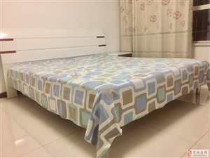 低价转让一套(床+床垫)一套沙发  13652085828同微信