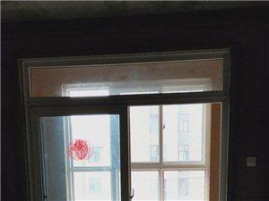 绿都褐石街区3室2厅1卫85万元急售