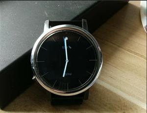 9成新moto360 2代智能手表