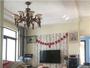 四季花城精装3室2厅2卫喊价69.8万元