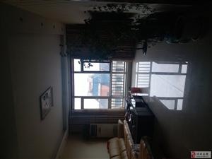 2031盛利花园3室2厅2卫165万元