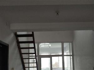 月季新城复式3室2厅2卫70万元