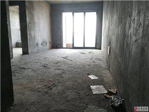 路易大地3室2厅2卫84万元中间楼层正对中庭