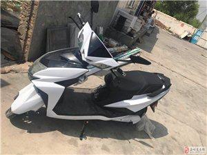 出售9成新电摩托一台