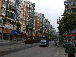 龙腾锦城3室2厅1卫66万元