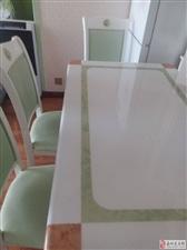 9成新餐桌带6把椅子