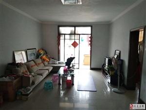 临泉县雷石KTV旁边巷子里面3室2厅1卫1100元/月