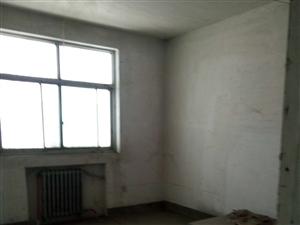 土地局家属院4室2厅2卫55万元