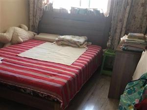晨晖里4楼三室82平房,精装无税看房方便