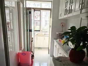 福苑里品质3楼通厅户型,明厕107平精装