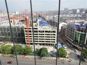 华美嘉苑电梯14楼3室2厅2卫69.5万元