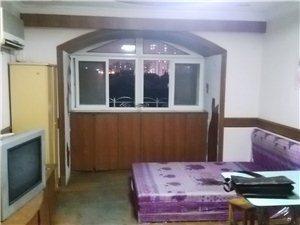 莲花公寓3室0厅1卫5300元/月