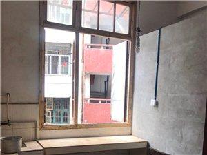 新华小学附近,2楼,一室一厅一厨一卫,空房