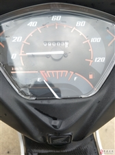 出售9成新白色本田Honda踏板摩托车
