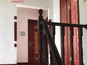 渤海明珠3+4复式4室2厅3卫140万元