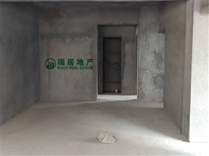 铂金尊县中心三房出售带大生活阳台和入户花厅!