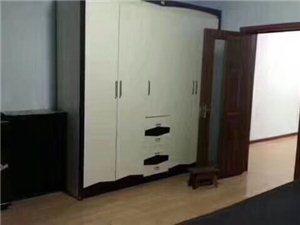 早市南楼1室1厅1卫5500元/月