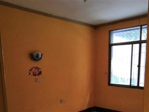 广中附近1楼2套1装修750元简单家具