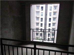 天明城4室2厅2卫90万元,大阳台