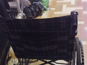 九成新电动轮椅上海贝珍牌子和一台手动轮椅出售