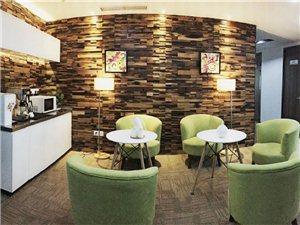 孵化器办公室(直租)20至200平精装带家具